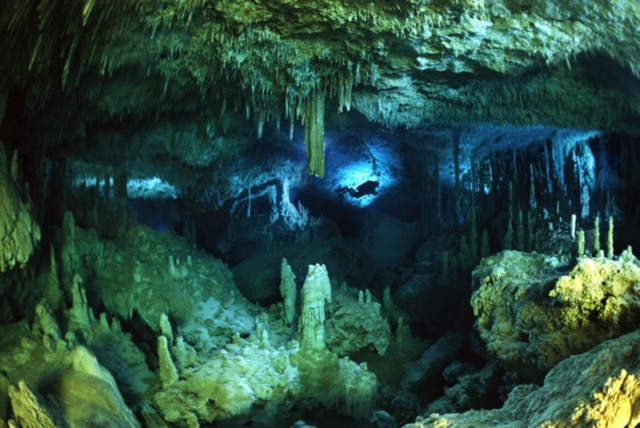 cave diving photography